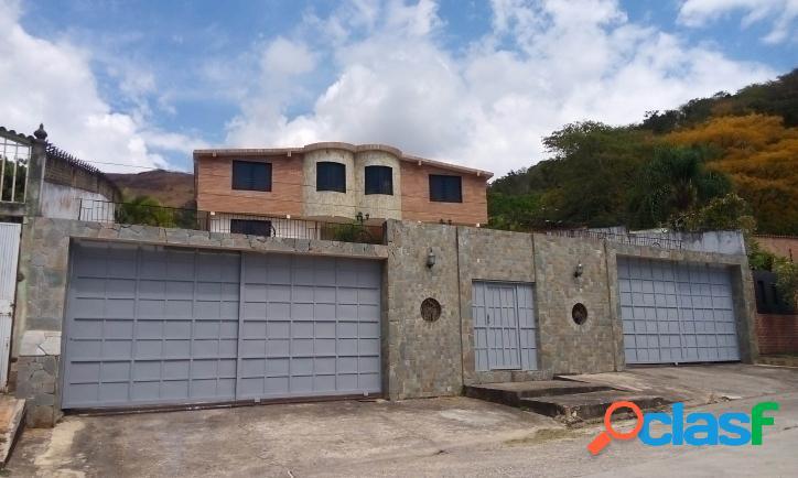 800 m2. hermosa y amplia casa en colinas de guataparo - valencia
