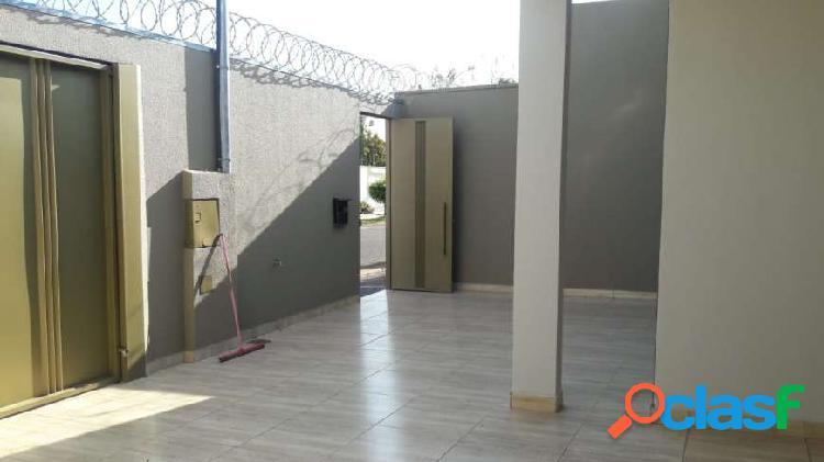 casa verde Casa com 3 Quartos à Venda, 125 m² por R$ 300.000 1