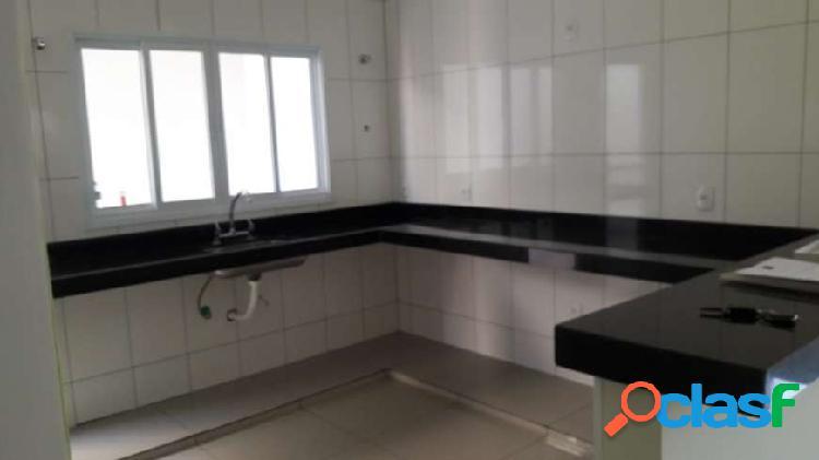 casa verde Casa com 3 Quartos à Venda, 125 m² por R$ 300.000 2