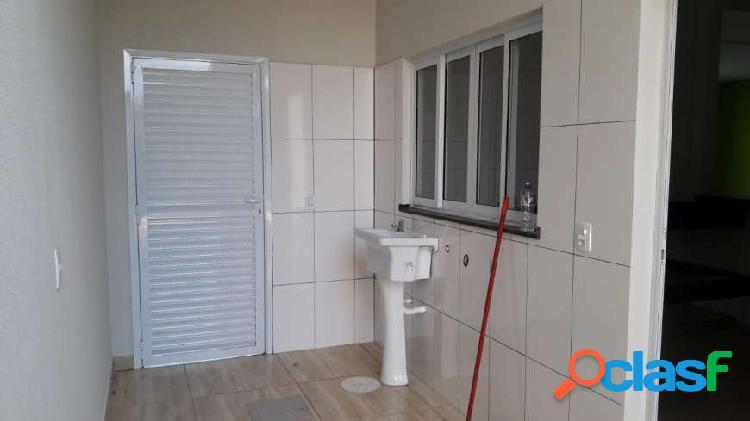 casa verde Casa com 3 Quartos à Venda, 125 m² por R$ 300.000 3