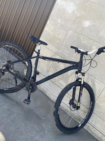Bike aro 29 novinha só pega e anda freio hidráulica