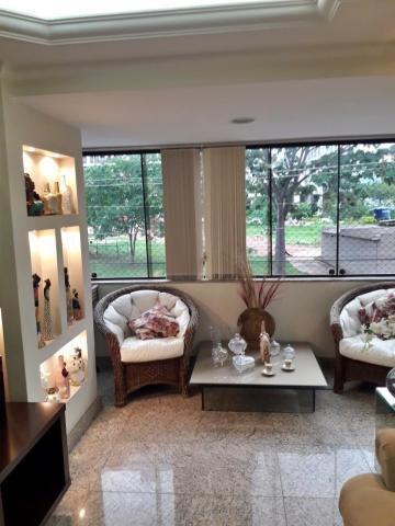 Maravilhoso apartamento no primeiro andar, vista livre com