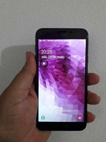 Smartphone samsung j4