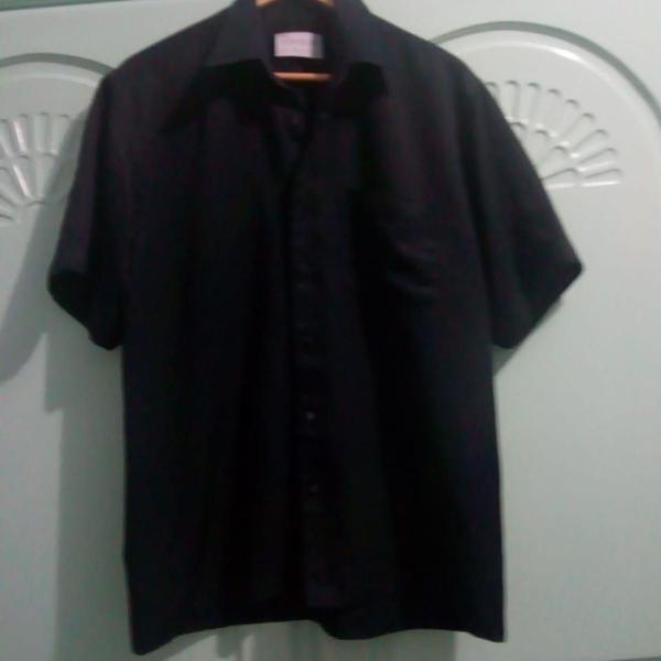 Camisa preta manga curta tm p