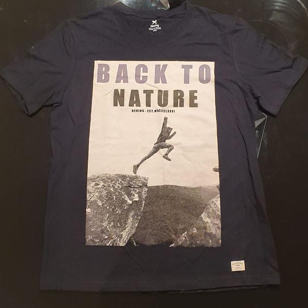 Camiseta masculina manga curta com estampa frontal - preto m
