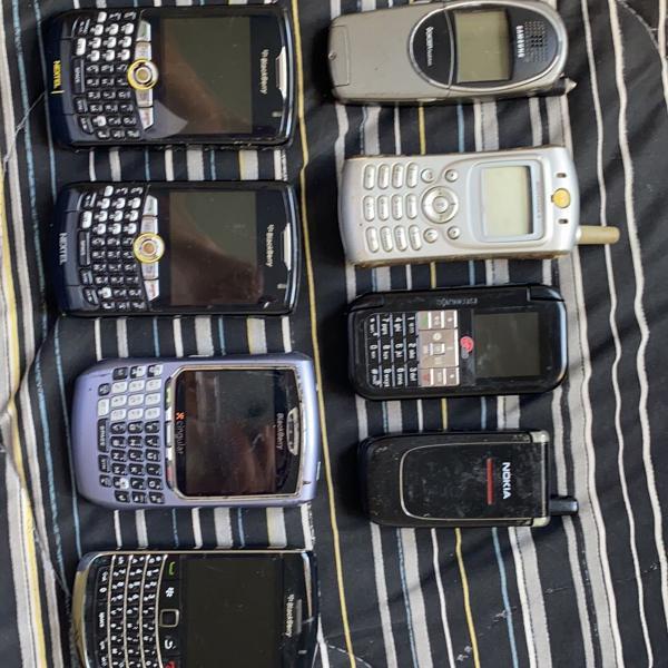 Coleção de celulares antigos
