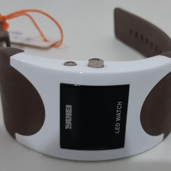 Relógio skmei novo etiqueta