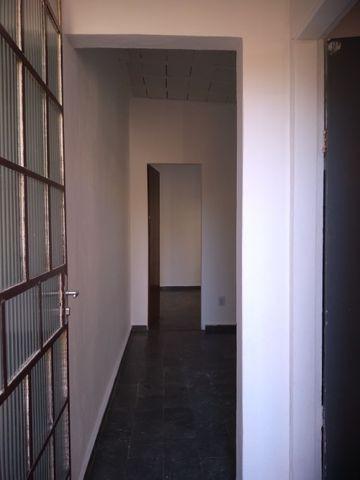 Aluga-se casa de 4 cômodos no bairro paulo vi