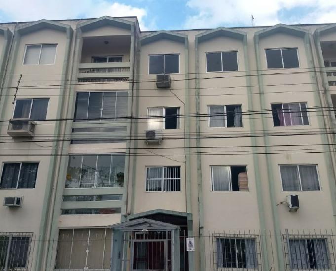 Apartamento com 3 dormitórios à venda em área nobre