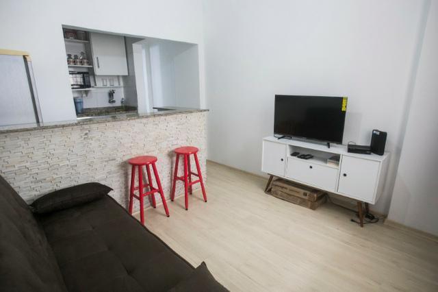Lindo apto quarto e sala, todo mobiliado em copacabana para