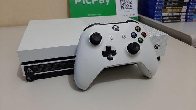 Xbox one s semi novo completo com recibo + garantia -