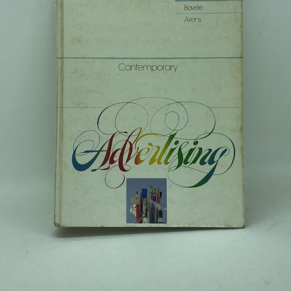 Livro de propaganda: contemporary advertising (primeira