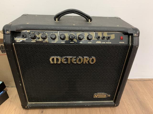 Amplificador de guitarra meteoro nitrous 100g