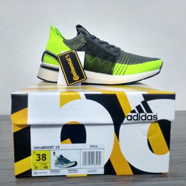 Tênis adidas ultra boost 19