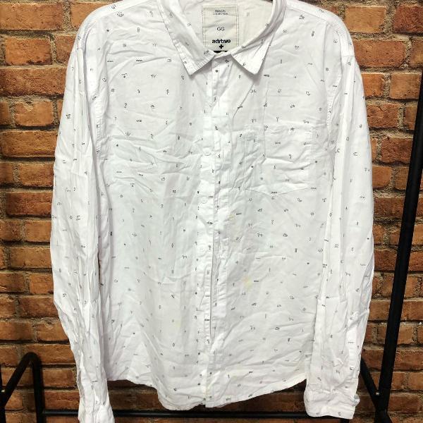 Camisa branca estampada