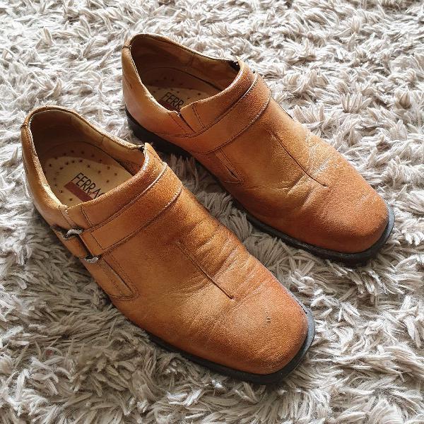 Sapato couro caramelo ferracini