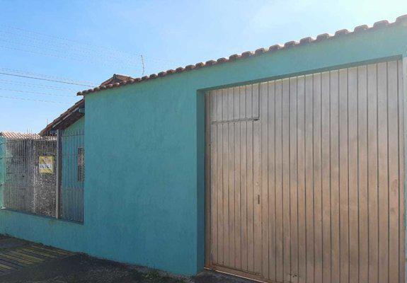 Casa alvenaria pvc grande arejada garagem 3 carros capão