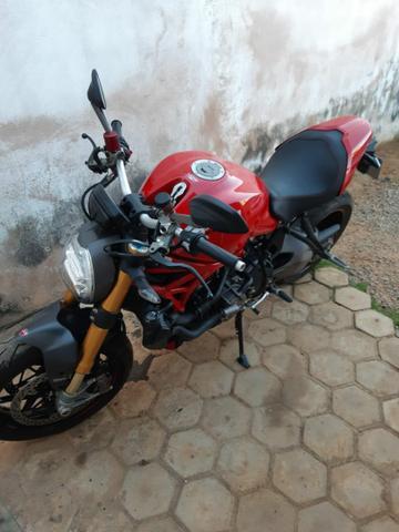 Ducati monster 1200 cc