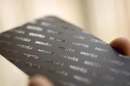 Cartões de visita com verniz localizado - cartão 350gr.