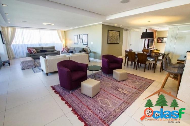 Excelente apartamento reformado e decorado no meireles