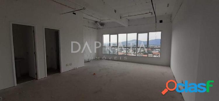 Sala comercial Alpha Offices 47m², 1 vaga, 2 banheiros 2