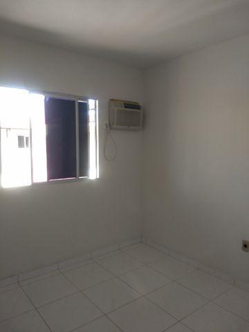 Apartamento em nova parnamirim com 2/4 cozinha com armários