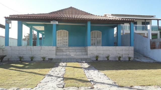 Casa com frente para praia de figueira em arraial do cabo