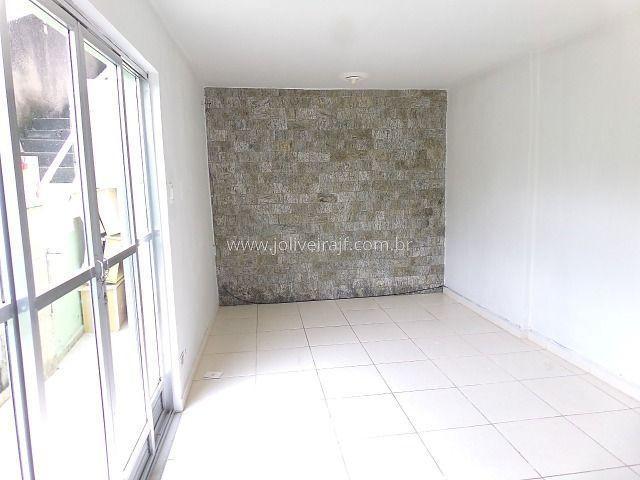 Ref.: 6214 casa estilo apartamento com 2 quartos - bairro