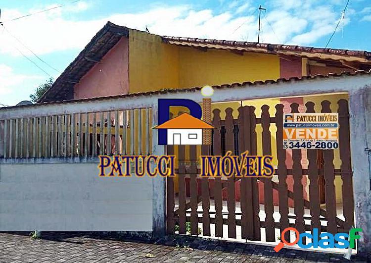 Casa para venda com 02 dormitórios próximo ao mar, ótima localização!
