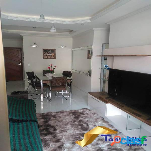 Excelente apartamento de 2 quartos há 50 metros da praia do forte!!!!