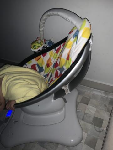 Cadeira de balanço 4moms mamaroo,com conexão com