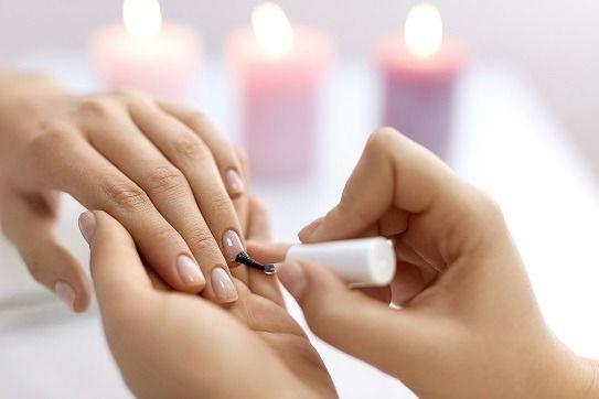 Curso de manicure e pedicure com alongamento em gel e