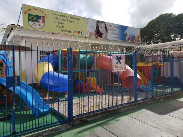Escola infantil bilíngue admite
