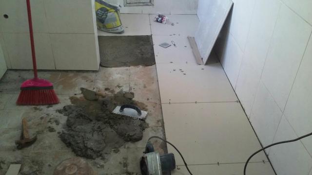 Pedreiro da fundaçao ao teto e pequenos reparos