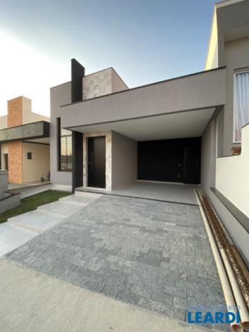 Casa de condomínio à venda com 3 dormitórios cod:604629