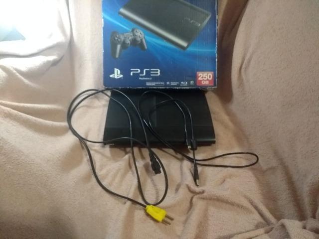 Console ps3 usado, com 3 jogos no hd e com alguns defeitos