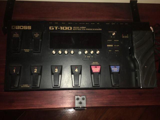 Pedaleira gt100 boss para guitarra