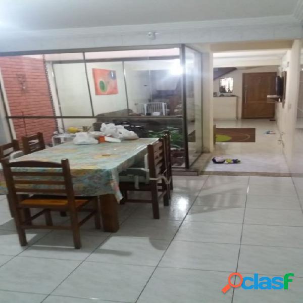 Sobrado com 3 quartos à venda na Moóca, 118 m² por R$660.000,00.
