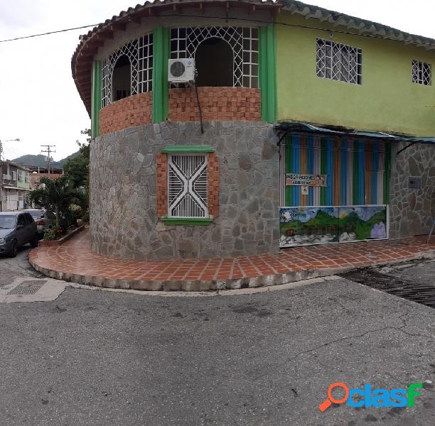 Casa imponente en urb la esmeralda 394060.