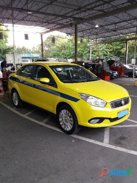 Vendo taxi siena essence 1.6 com autonomia