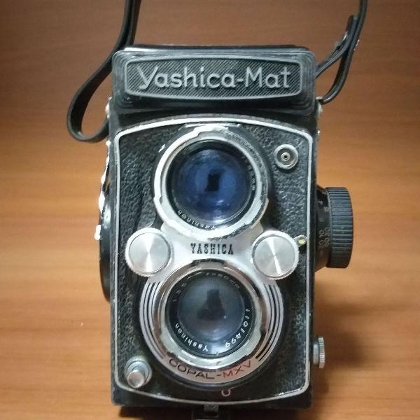 Antiga máquina fotográfica yashica mat