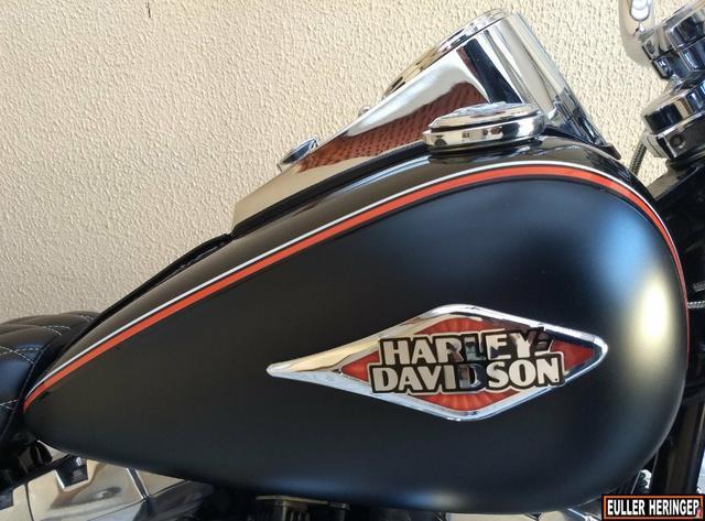 Harley davidson heritage custom