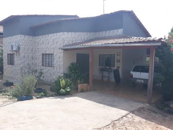 Casa em terreno de 2.000m2 em colinas do sul/go (serra da