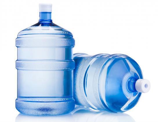 Distribuidora de água mineral com veículos inclusos em