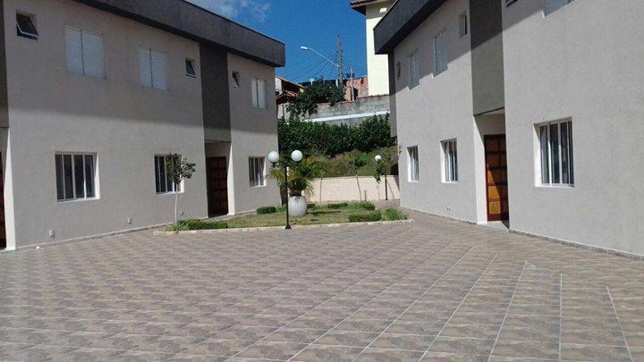 Linda casa em condomínio no polvilho - cajamar - sp