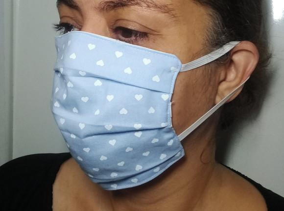 Máscara em tecido reutilizável