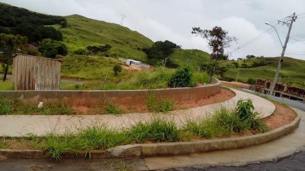 Poços de caldas - mg - vendo terreno bairro parque san