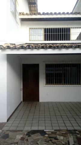 Alugo casa grande 4/4 pitangueiras