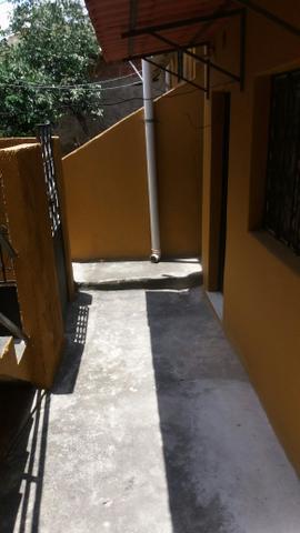 Alugo casa r $ 450,00 santíssimo