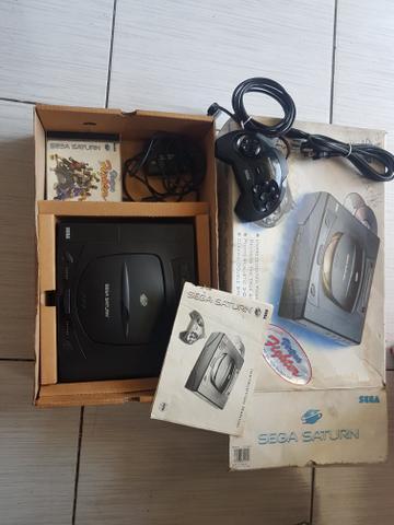 Sega saturn na caixa